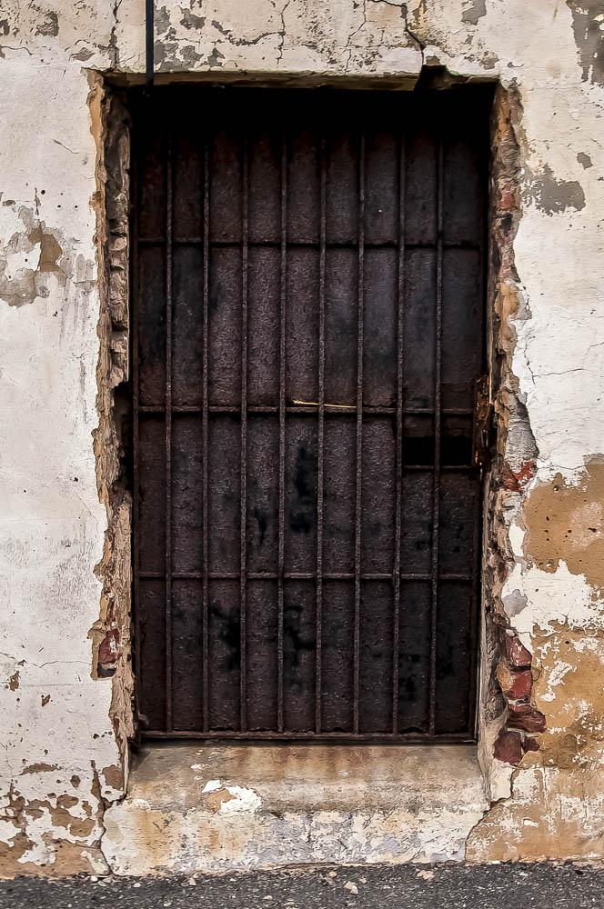 prison-back